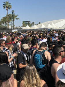 Le Public à Coachella by Philip THORN